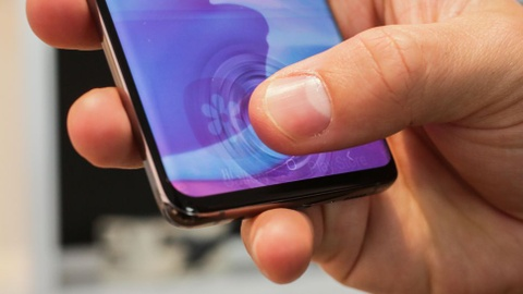 'Cảm biến vân tay siêu âm của Galaxy S10 thật tuyệt vời'