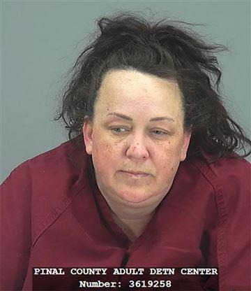 Machelle Hackney đã bị bắt giữ với hàng chục tội danh lạm dụng trẻ em. Ảnh: NBCNews.