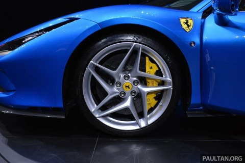 'Sieu ngua' Ferrari F8 Tributo ra mat gioi nha giau Dong Nam A hinh anh 8