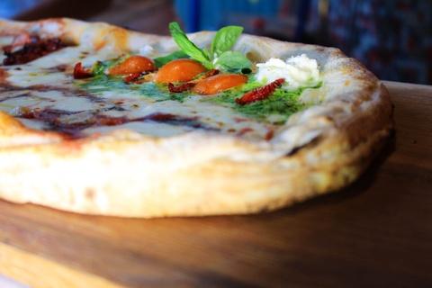 Banh pizza dai 1 m o TP.HCM hinh anh 9