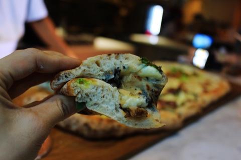 Banh pizza dai 1 m o TP.HCM hinh anh 13