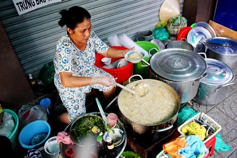 10 dia chi an vat khong quang cao cung dong khach cua Sai Gon hinh anh 3