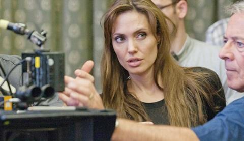Phim cua Angelina Jolie bi keu goi cam chieu tai Nhat hinh anh