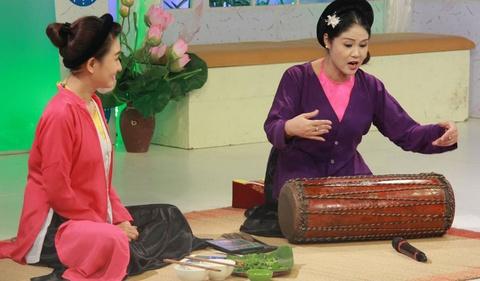 Nghe si cheo Thanh Ngoan chuyen dong vai ac vi beo hinh anh