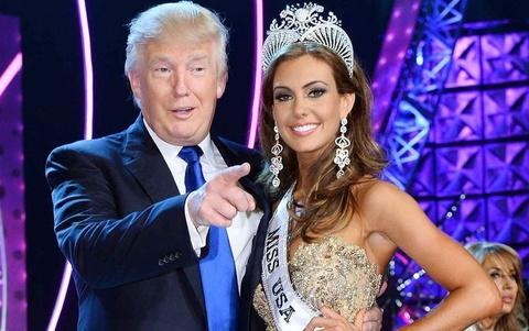 Donald Trump ban To chuc Hoa hau Hoan vu hinh anh