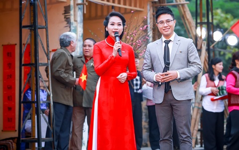 Khanh Linh, Ngoc Khue goi nho Tet Ha Noi xua hinh anh 8