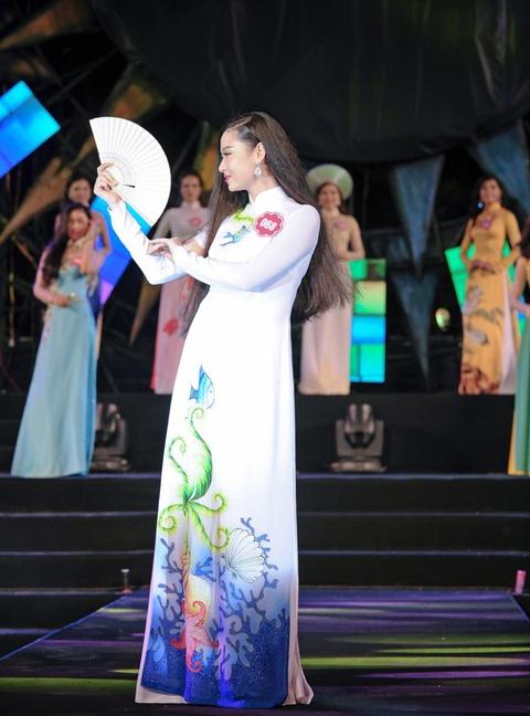 Thi sinh Hoa hau Bien khoe dang trong trang phuc ao tam hinh anh 7