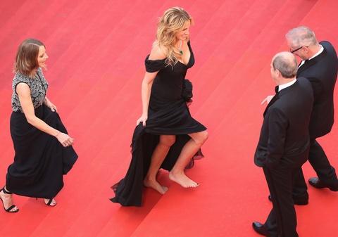 Julia Roberts di chan tran, pha luat tham do Cannes hinh anh 2