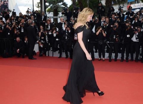 Julia Roberts di chan tran, pha luat tham do Cannes hinh anh 4