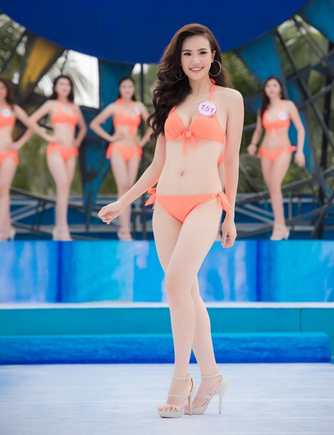 Thi sinh HHVN mac bikini thi Nguoi dep bien hinh anh 14