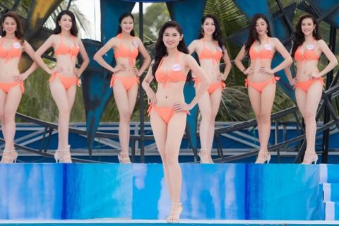 Thi sinh HHVN mac bikini thi Nguoi dep bien hinh anh 2