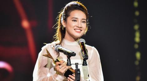 Nha Phuong, Truong Giang cung thang giai VTV Awards hinh anh