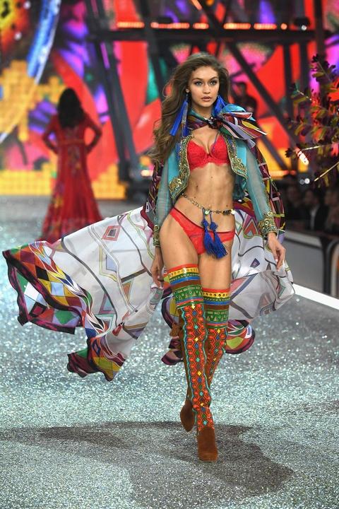 Nhung man trinh dien boc lua nhat Victoria's Secret Show hinh anh 8