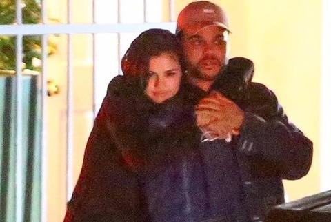 Selena Gomez lo anh hon The Weeknd hinh anh