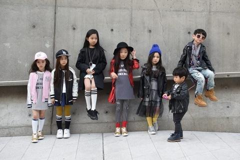 Seoul Fashion Week 2017 con co nhung nhoc ty rat sanh dieu hinh anh 8