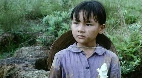 Bao Thanh - tu co be 8 tuoi thanh nu chinh 'Song chung voi me chong' hinh anh
