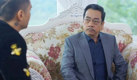 Trum giang ho Phan Quan: Co chiec ao 10 trieu, co cai chi 100.000 dong hinh anh