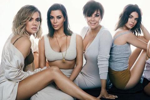 Doi ngu stylist hung hau dang sau hinh anh tao bao cua nha Kardashian hinh anh