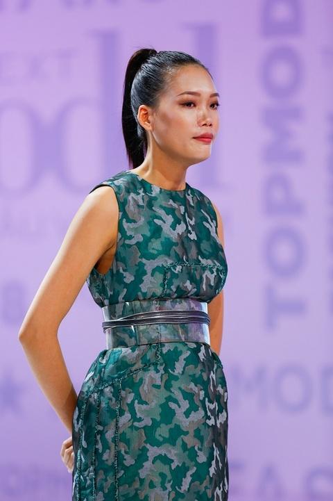 Nam Trung: 'Mot chiec vay khong the danh gia dan ong hay dan ba' hinh anh 1