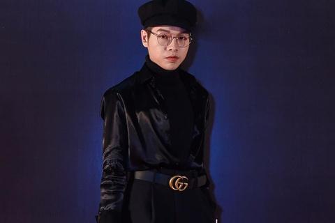 Duc Phuc mac kho hieu tren tham do Tuan le thoi trang quoc te Viet Nam hinh anh