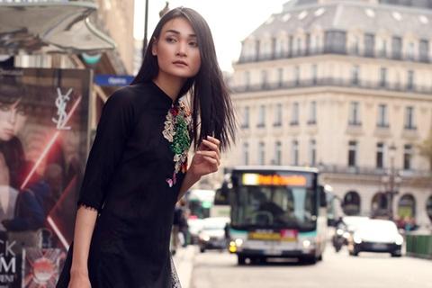 Nguoi mau Thuy Trang dien trang phuc ton vinh ve dep Viet o Paris hinh anh