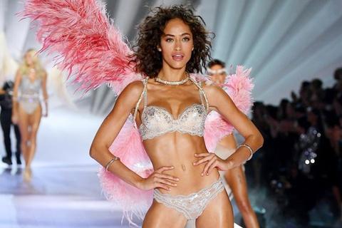 Những 'thiên thần' tóc ngắn ấn tượng trên sàn diễn Victoria's Secret
