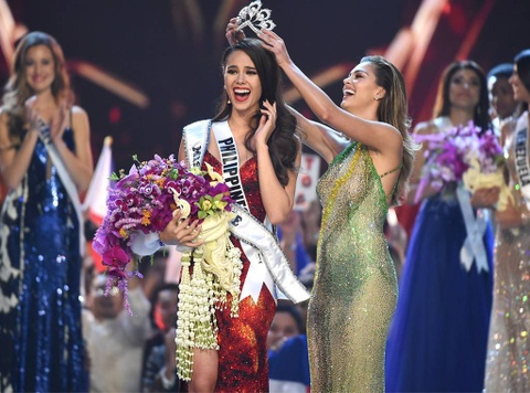 6 nu hoang sac dep cua nam 2018: Hoa hau Philippines ruc ro nhat hinh anh 1
