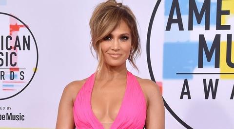Nhung bo canh nong bong nhat cua ngoi sao 50 tuoi Jennifer Lopez hinh anh