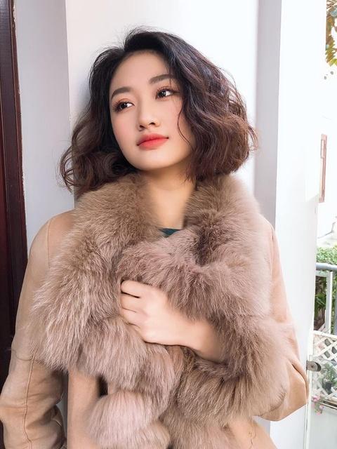 Hoa hau Thu Ngan: 'Kem chong 19 tuoi nhung toi khong phai nhun nhuong' hinh anh 4