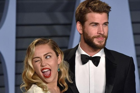 Miley Cyrus doi ten theo chong Liam Hemsworth hinh anh
