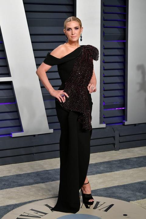 Sofia Vergara mac vay nang nguc tao bao o tiec hau Oscar 2019 hinh anh 6