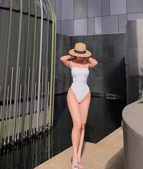 Dien ao tam sexy, Hoa hau Phuong Khanh 'dung hang' Ha Ho, My Linh hinh anh 1