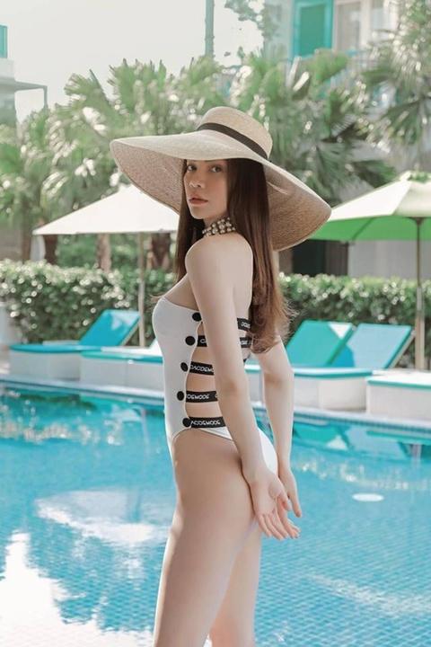 Dien ao tam sexy, Hoa hau Phuong Khanh 'dung hang' Ha Ho, My Linh hinh anh 3