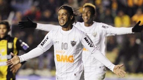 Sieu pham sut phat cua Ronaldinho khien fan nu suyt khoc hinh anh