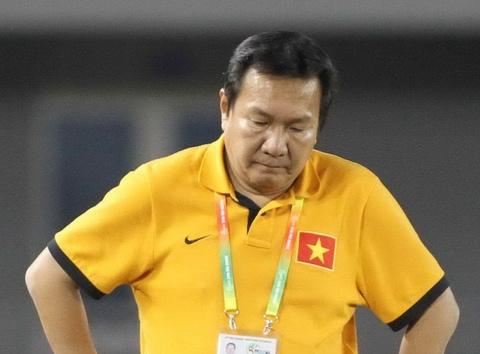 HLV Hoang Van Phuc xin tu chuc, VFF chua duyet hinh anh