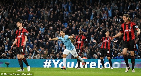 Man City 3-1 West Brom: Aguero tro lai an tuong hinh anh
