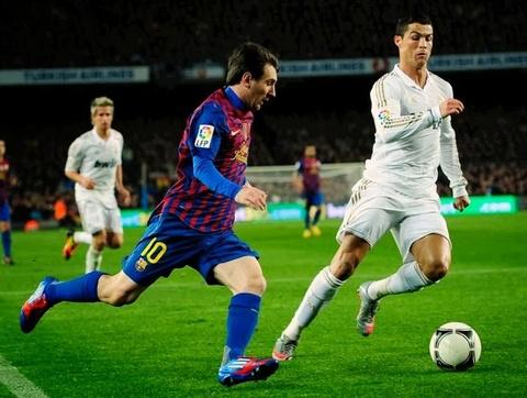 Ronaldo ap sat ngoi 'Vua doi bom' moi thoi dai o cup chau Au hinh anh
