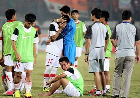 U19 VN guc nga o chung ket sau tran mua ban thang hinh anh