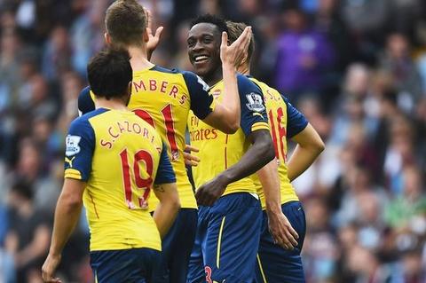 HLV Wenger: Welbeck se tro thanh 'Henry moi' cua Arsenal hinh anh