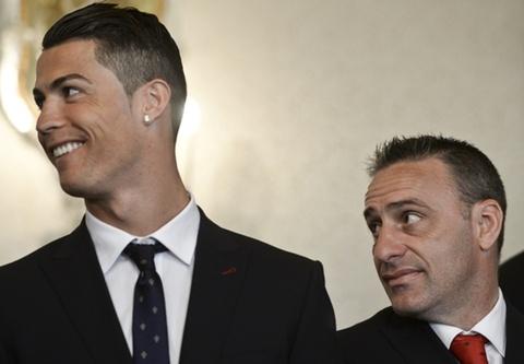 Ronaldo phu nhan chuyen khien HLV Bento mat viec hinh anh