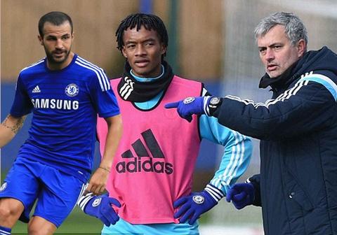Fabregas vang mat khi Chelsea ra mat hop dong 'bom tan' hinh anh