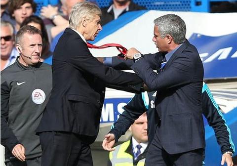 Nhung cuoc chien nay lua trong tran Chelsea - Arsenal hinh anh