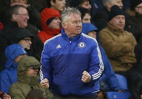 Guus Hiddink chia tay Chelsea cuoi mua nay hinh anh