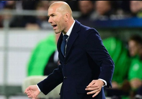 Real vs Wolfsburg: Zidane cam cau thu bi quan hinh anh