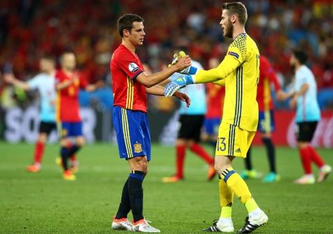 Cham diem Tay Ban Nha: Morata mang hinh bong Torres hinh anh 2