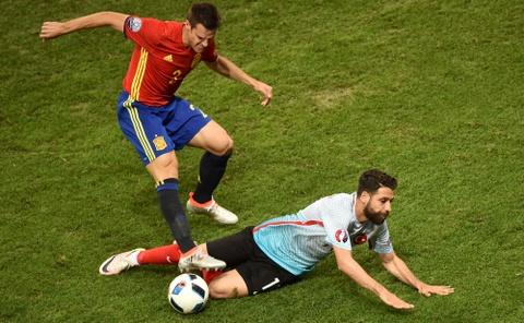 Cham diem Tay Ban Nha: Morata mang hinh bong Torres hinh anh 14