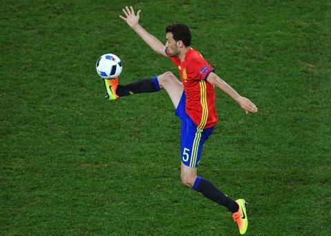 Cham diem Tay Ban Nha: Morata mang hinh bong Torres hinh anh 8
