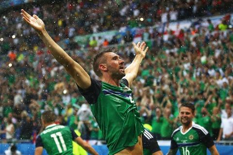 Doi hinh hay nhat luot thu hai vong bang Euro 2016 hinh anh 5