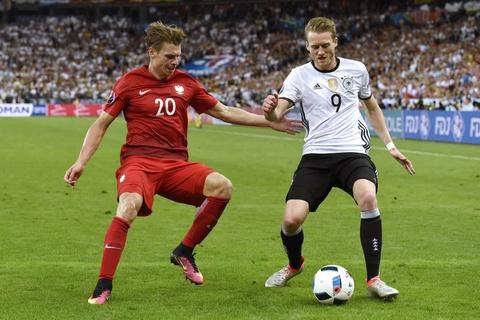 Doi hinh hay nhat luot thu hai vong bang Euro 2016 hinh anh 3