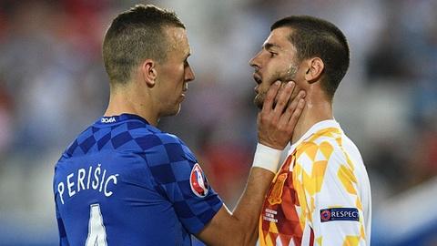 Tay Ban Nha vs Croatia (1-2): Nha vua guc nga hinh anh